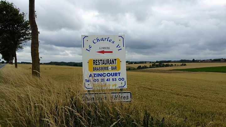 DS-aZINCOURT RESTAURANT SIGN
